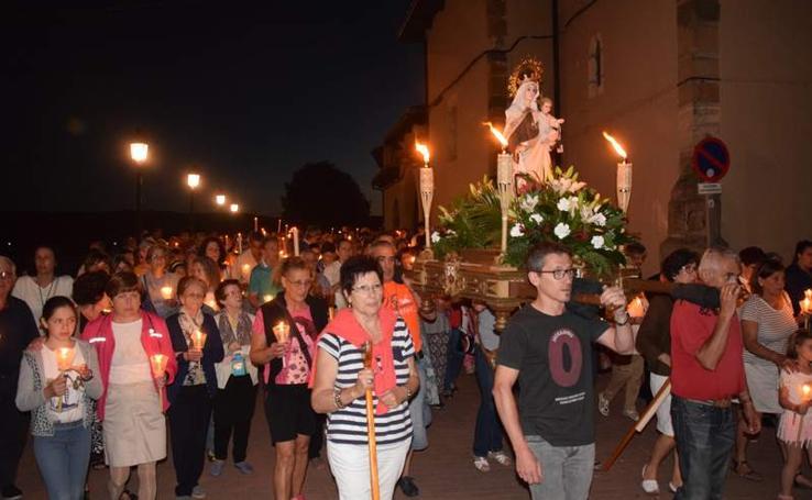 Procesión nocturna de la Virgen del Carmen en Guardo