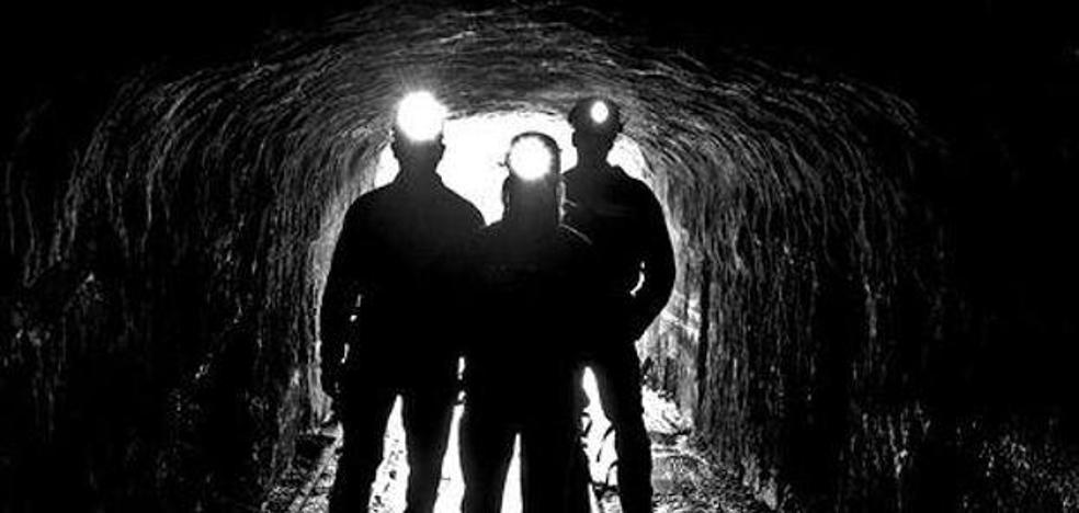Industria apacigua a los mineros prejubilados con la paga de junio