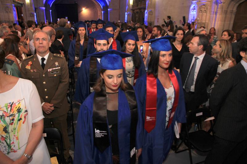 Graduación IE University