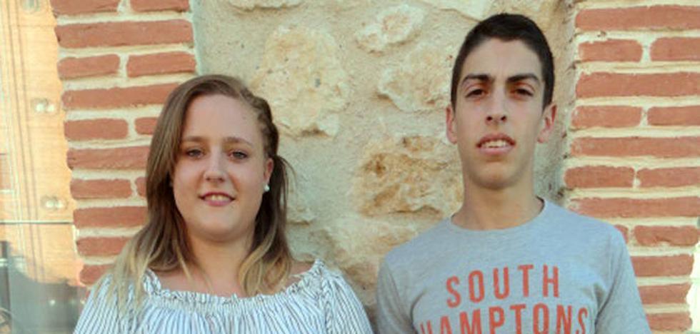 Mónica Senín y Juan de Frutos, 'maja' y 'feo' en la Fiesta de la Juventud de Cantimpalos