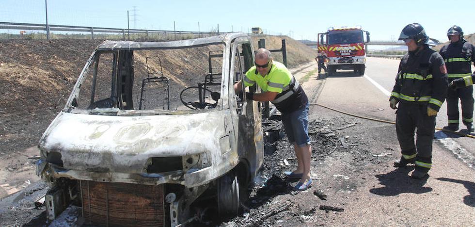 Arde una autocaravana en Villalobón