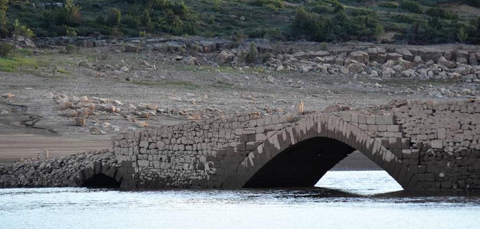 La sequía reaviva el recuerdo de pueblos sepultados por el pantano