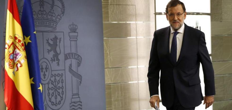 Rajoy insta a Puigdemont a «desconectar de su delirio» y conectar con la ley