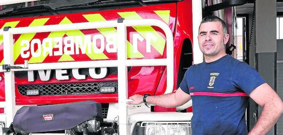 «Los bomberos no pueden ser suplantados por voluntarios»
