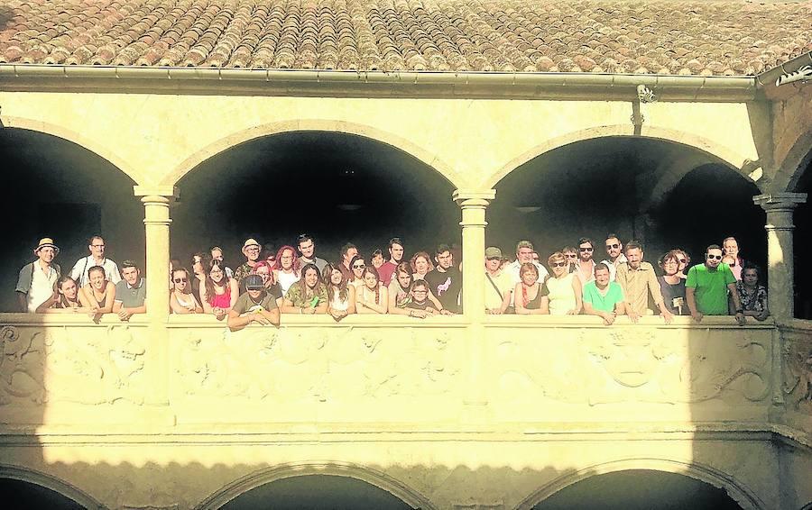 La Escuela de Folclore suma a los toques salmantinos el País Vasco y Andalucía