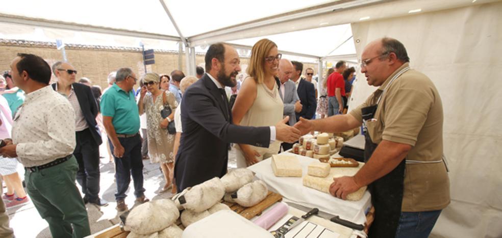«Con la Feria del Queso tratamos de mantener la tradición y defender el sector lácteo»