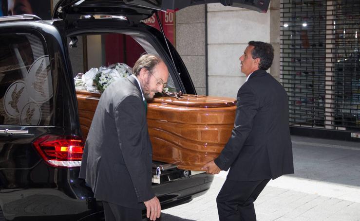 Funeral por el abogado Santiago Rodríguez-Monsalve en la iglesia de Santiago
