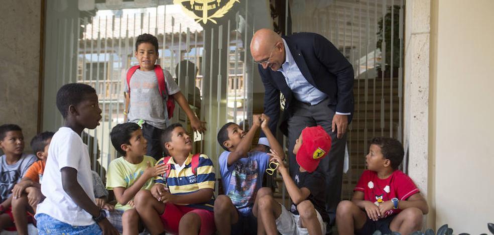 Valladolid recibe a los niños saharauis que pasarán aquí sus vacaciones de verano