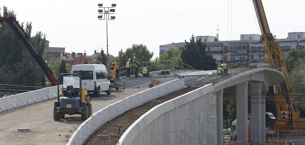 Los constructores critican que el retraso de licencias paraliza la ciudad