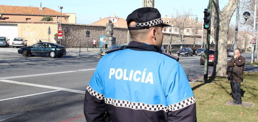 Un conductor a la fuga y un niño de dos años atendido en sendos accidentes en Segovia