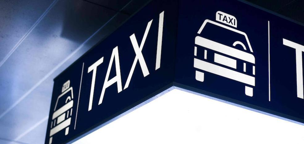 Una aplicación estudia ofrecer a los taxistas para acompañar a mayores a hacer la compra