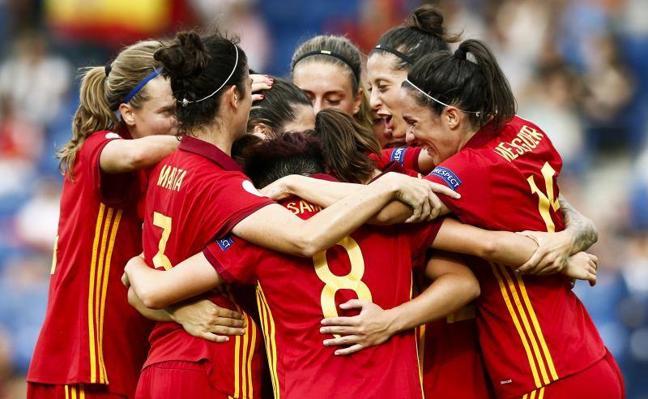 España ilusiona en su estreno en la Eurocopa
