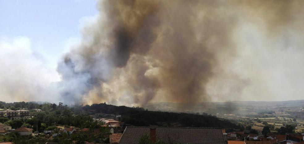 El incendio de Aldeadávila regresa al nivel 1