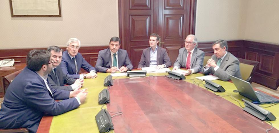 El PP de Ávila pide la construcción de una autovía en la provincia