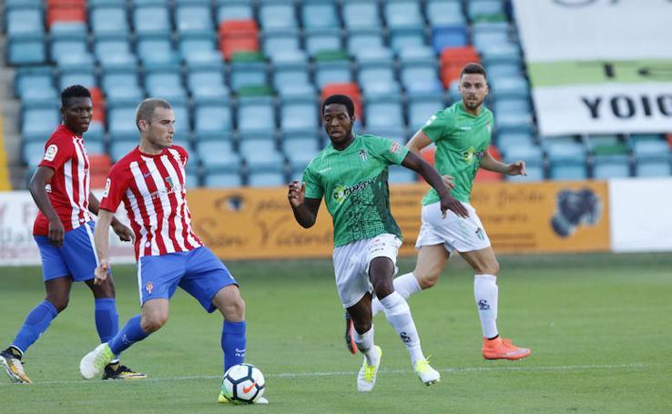 Amistoso de pretemporada entre el CD Guijuelo y el Sporting de Gijón en el Helmántico (0-5)