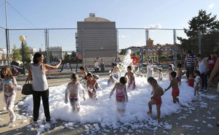 Los niños, protagonistas de las fiestas del barrio de Santiago de Palencia