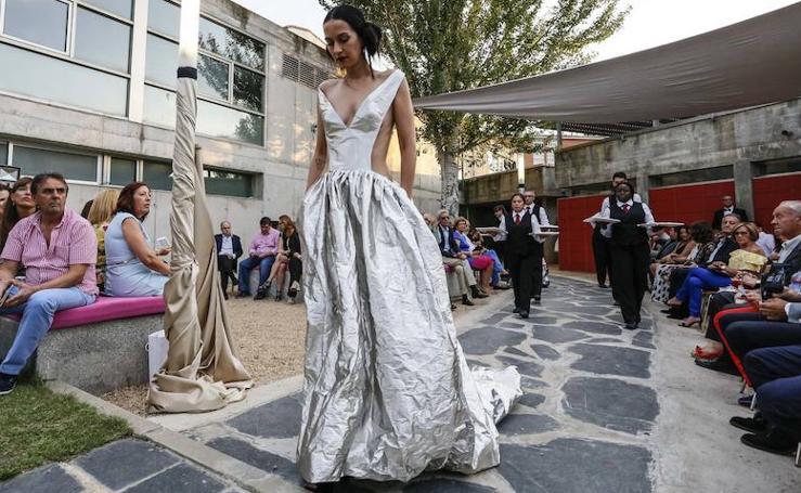Moda y gastronomía se dan la mano en la Escuela de Hostelería de Santa Marta de Tormes