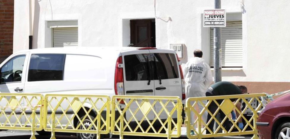 Criminalística peina la casa donde murió maniatado un anciano en Peñafiel