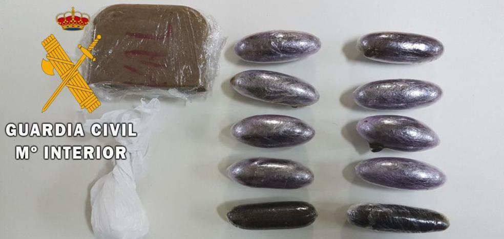 Detenido en Salamanca un usuario de un autobús con 149 gramos de hachís y siete de cocaína