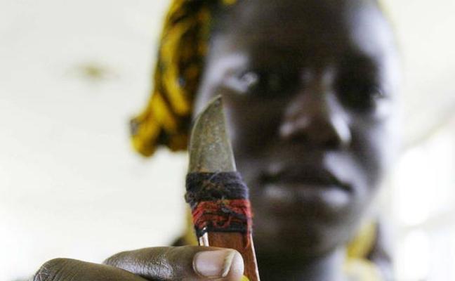 Adolescentes de Kenia crean una 'app' para terminar con la ablación