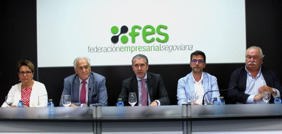 Andrés Ortega pide a los socios de FES que incorporen alumnos a sus empresas