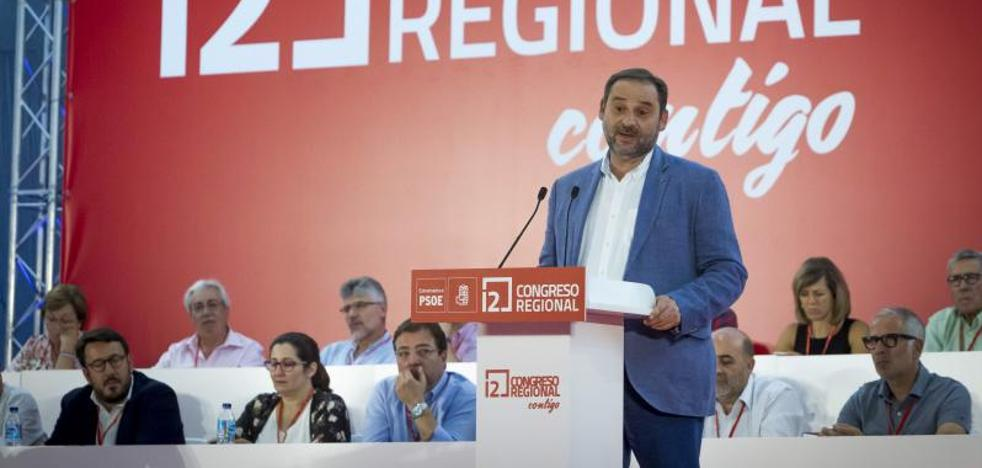 Ábalos cree que Rajoy actuó como un «acusado» que se acoge al «derecho de defensa»