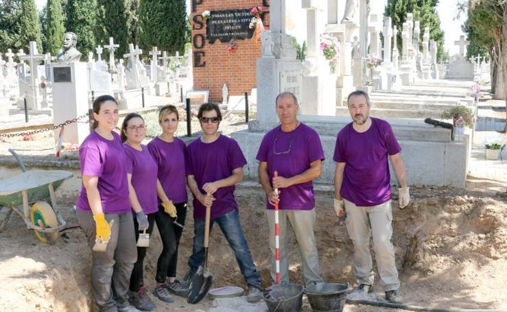 Excavación de las fosas comunes del Cementerio del Carmen