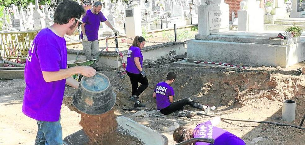 Memoria Histórica reclama fondos para identificar cuerpos de las fosas del Carmen