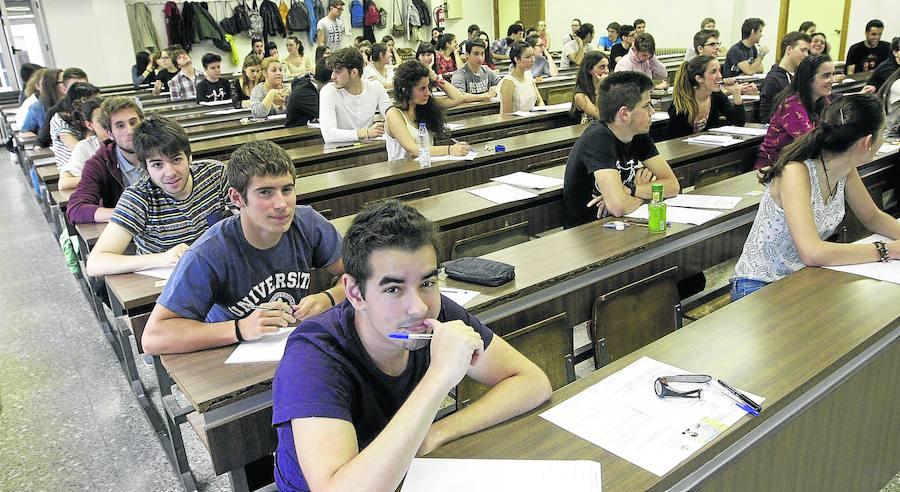 Los alumnos salmantinos recibieron 34 de los 1.989 millones destinados a becas