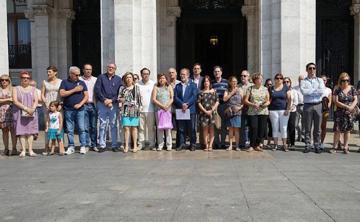 Minuto de silencio en Valladolid y en Pedrajas de San Esteban por la niña asesinada