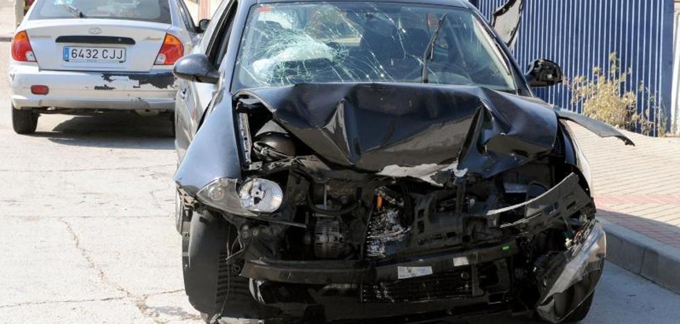Herido en una colisión entre dos vehículos en el polígono de San Cristóbal