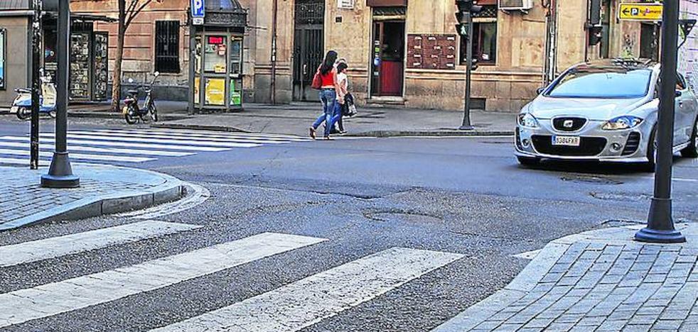 El Consistorio repinta 600 marcas viales de la ciudad para mejorar la seguridad vial