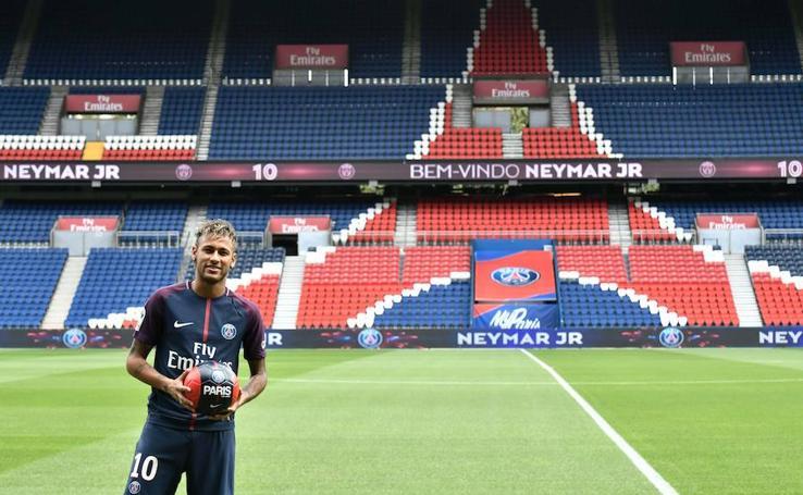 La presentación de Neymar, en imágenes