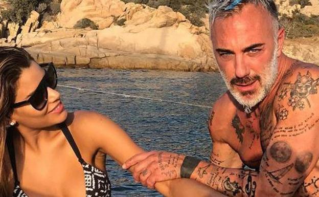 Gianluca Vacchi conquista a la Miss Universo más breve de la historia