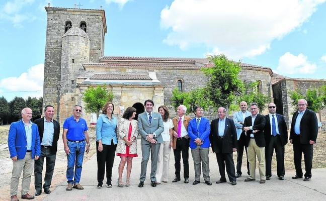 La iglesia románica de Prádanos de Ojeda luce su nueva cubierta