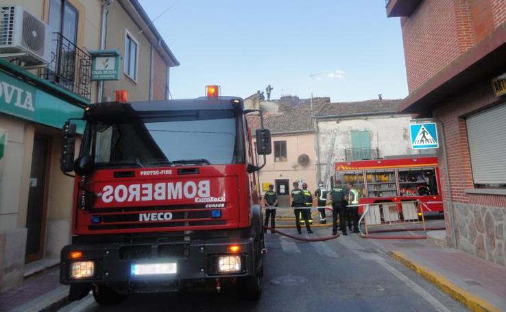 Arde la parte alta de un supermercado en Cantimpalos