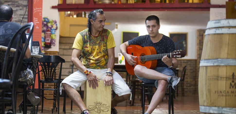 Emplazados arranca con la obra 'Despertar contigo', una mezcla de flamenco y teatro
