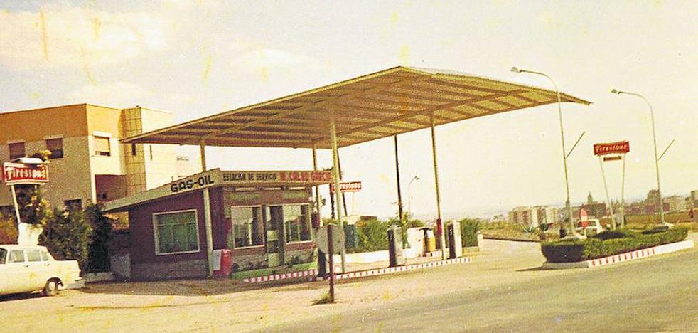 Una gasolinera como germen del polígono de Los Villares