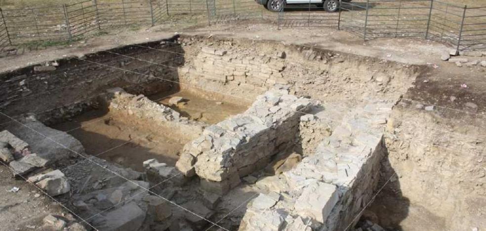 El equipo arqueológico de Los Casares busca concluir la excavación de una vivienda visigoda-altomedieval
