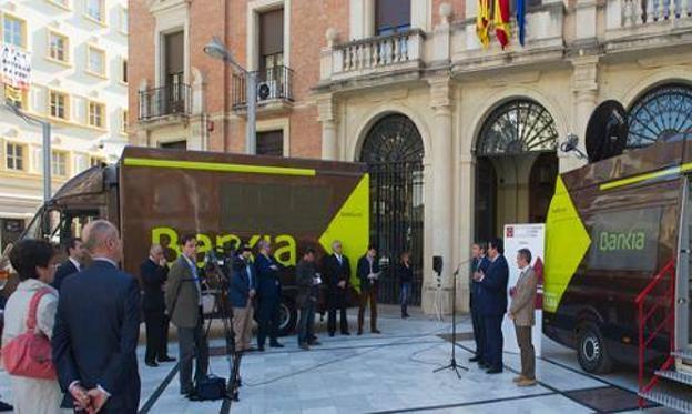 Los ofibuses de bankia recorren 89 pueblos de segovia for Bankia oficina movil