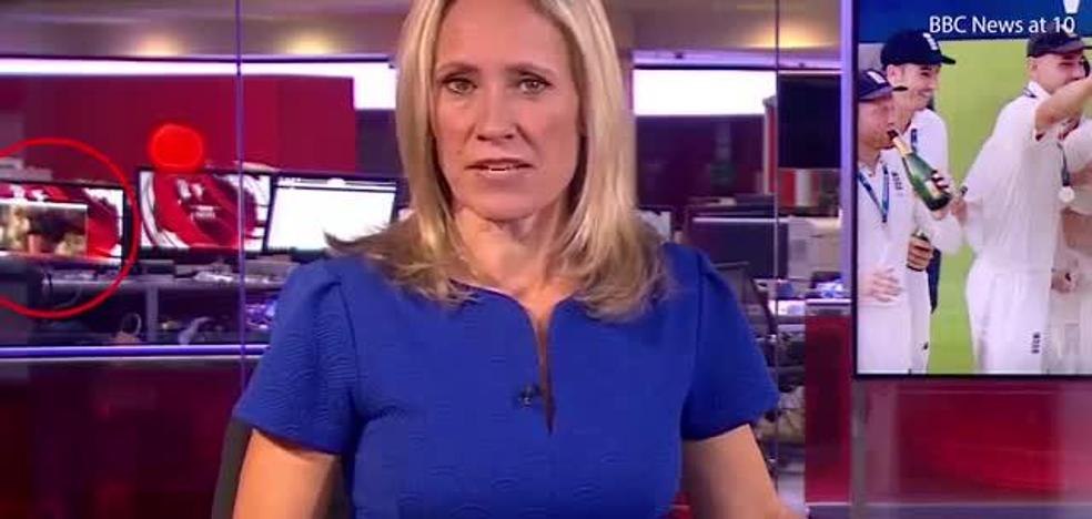 Una escena erótica se 'cuela' en un informativo de la BBC