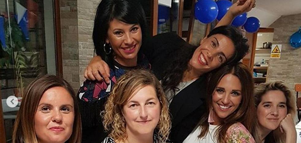 La misma foto de Paula Echevarría y sus amigas, 17 años después