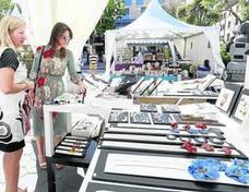 La Feria del Barro reúne a 34 expositores en la plaza de Los Bandos