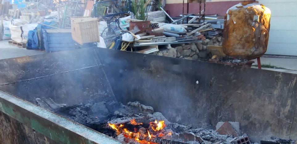 Denuncian a un vecino de Basardilla por la quema ilegal de residuos de construcción