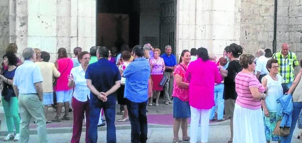 Vecinos de Pedrajas arropan a la familia de la pequeña Sara