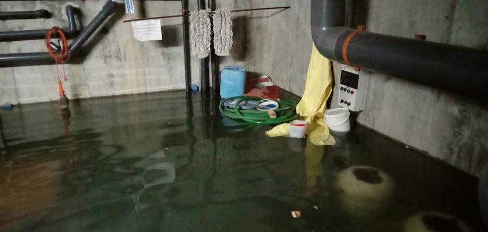 Una inundación deja inservibles las piscinas de verano del Real Sitio
