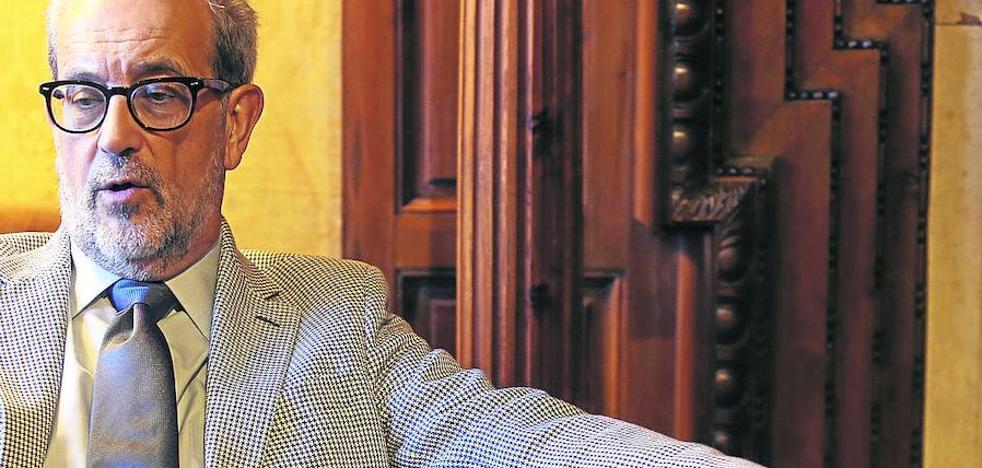 El rector de la Usal urge a reformar el sistema universitario porque el actual «está agotado»