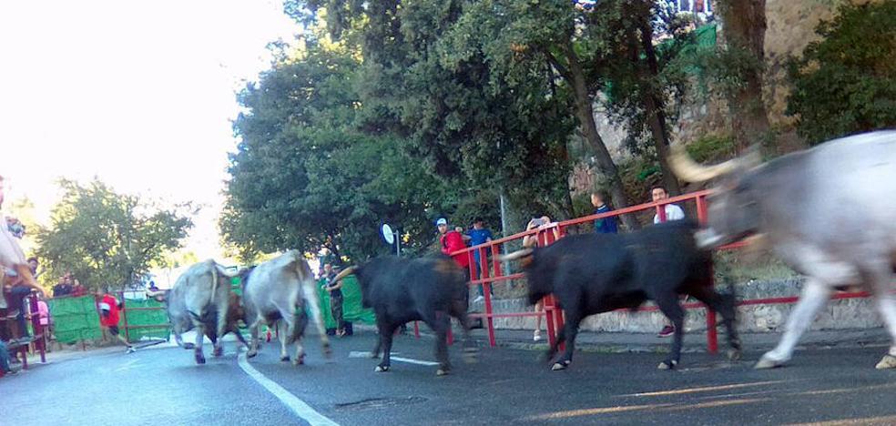 El tradicional 'Pobre de mí' pone fin a las fiestas del barrio de San Lorenzo