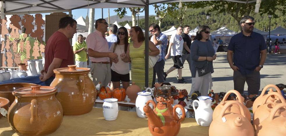 La feria de artesanía de San Rafael reúne a 31 expositores
