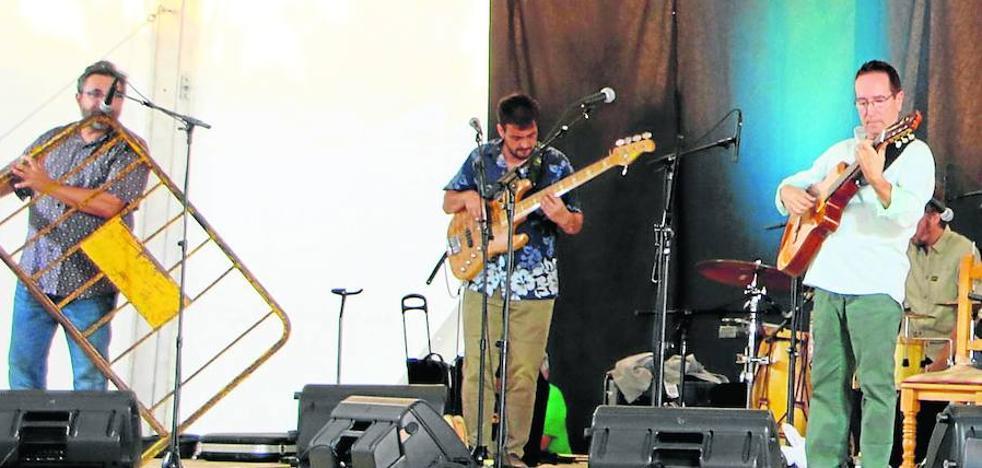 Cuatro grupos animan el festival Almuenza Folk